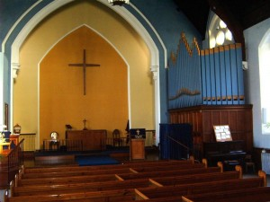 sandown-church-to-front-old1